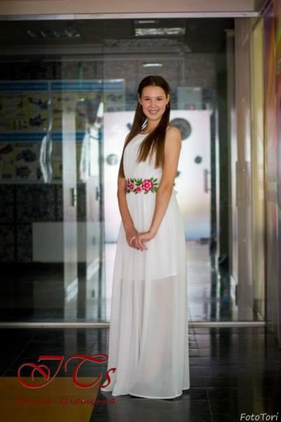 ... сама або замовити пошиття сукні і самостійно вишити її (або знайти  майстра). Це дозволить тобі створити ексклюзивну весільну сукню в українському  стилі ... 1d72df6184eb9