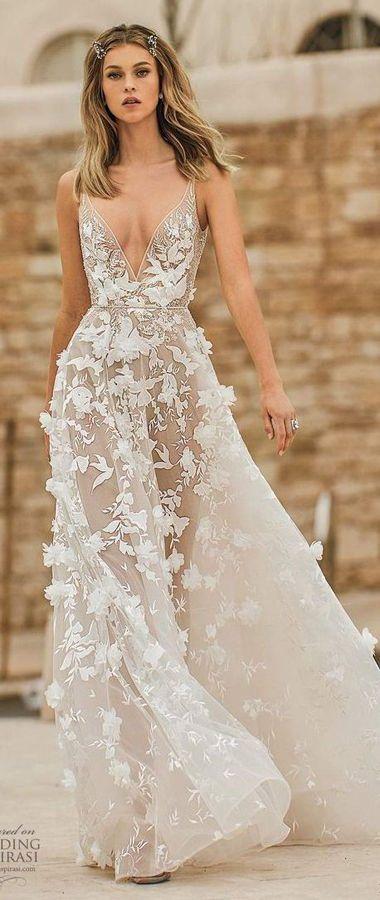 Длинные прямые свадебные платья с цветочным рисунком и с глубоким v-образным вырезом декольте. Новая коллекция Весна 2020 от Berta