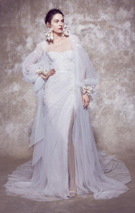 Свадебное платье от Marchesa Bridal. Плечи и руки накрыты прозрачными длинными и широкими рукавами-кейпами из фатина. Spring 2020 Wedding Dress Collection