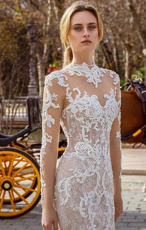 Роскошное свадебное платье силуэта «русалка» с кружевным декором, длинными кружевными рукавами и шлейфом. Ricca Sposa 2020 Wedding Dresses