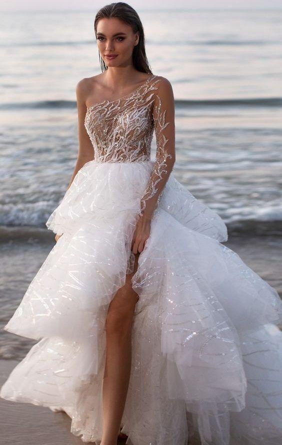 Изумительное, пышное, свадебное платье с кружевным, асимметричным верхом в стиле High Low. Milla Nova Wedding Dresses 2020