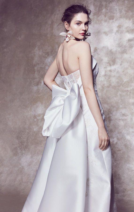 Волшебные свадебные платья с открытыми плечами и большим бантом сзади, американского бренда Marchesa, весна/лето 2020
