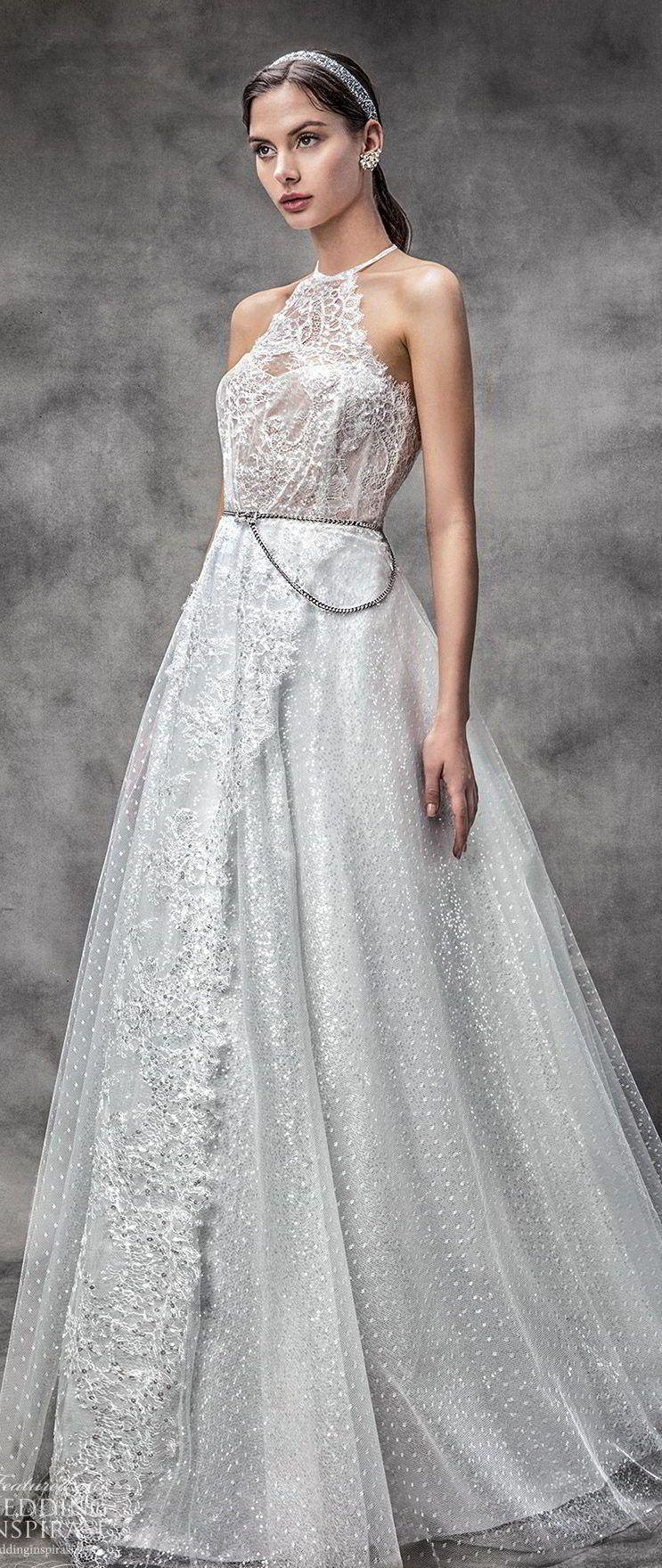 Классическое, пышное, свадебное платье цвета айвори с вырезом халтер от Victoria KyriaKides Spring 2020 Collection