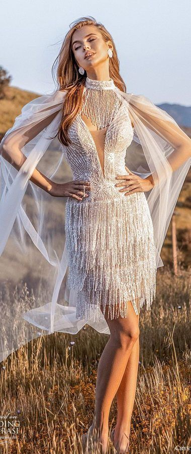 Короткое, свадебное платье с бахромой и накидкой на плечи. Crystal Design Couture 2020 Wedding Dresses