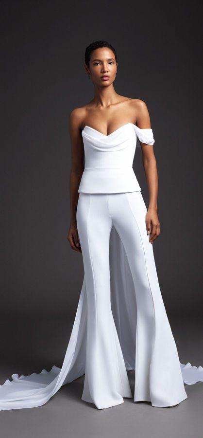 Открытый, свадебный костюм без бретелей со шлейфом. Cushnie Bridal Spring 2020 Collection