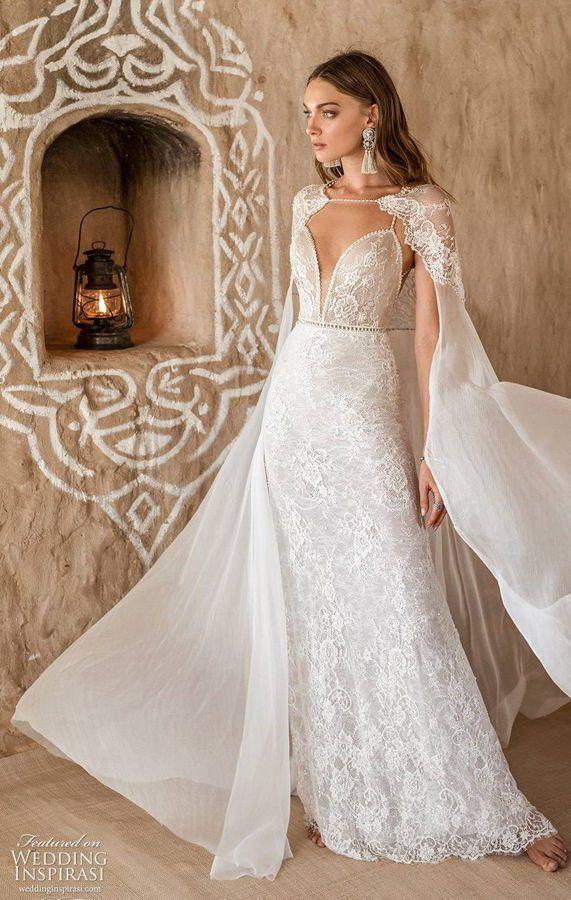 Свадебное платье на тонких бретелях с глубоким вырезом декольте, с накидкой. Asaf Dadush 2020 Wedding Dresses