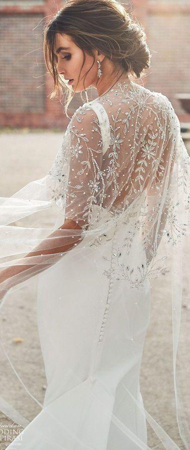 Свадебное платье с накидкой от Anna Campbell. Тренды свадебной моды 2020