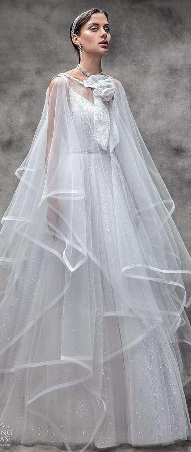 Свадебное платье с длинной накидкой на плечи от Victoria KyriaKides. Bridal Spring Collection 2020