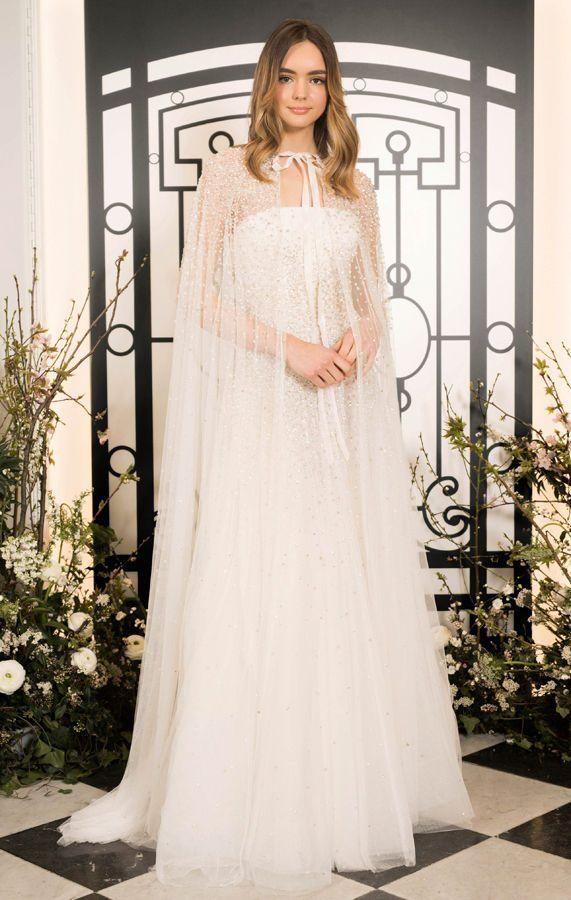Свадебное платье с длинной накидкой на плечи от Jenny Packham. Новая свадебная коллекция 2020