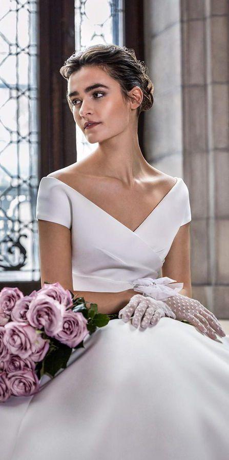 Белые свадебные перчатки. Свадебные аксессуары. Sareh Nouri Spring 2020
